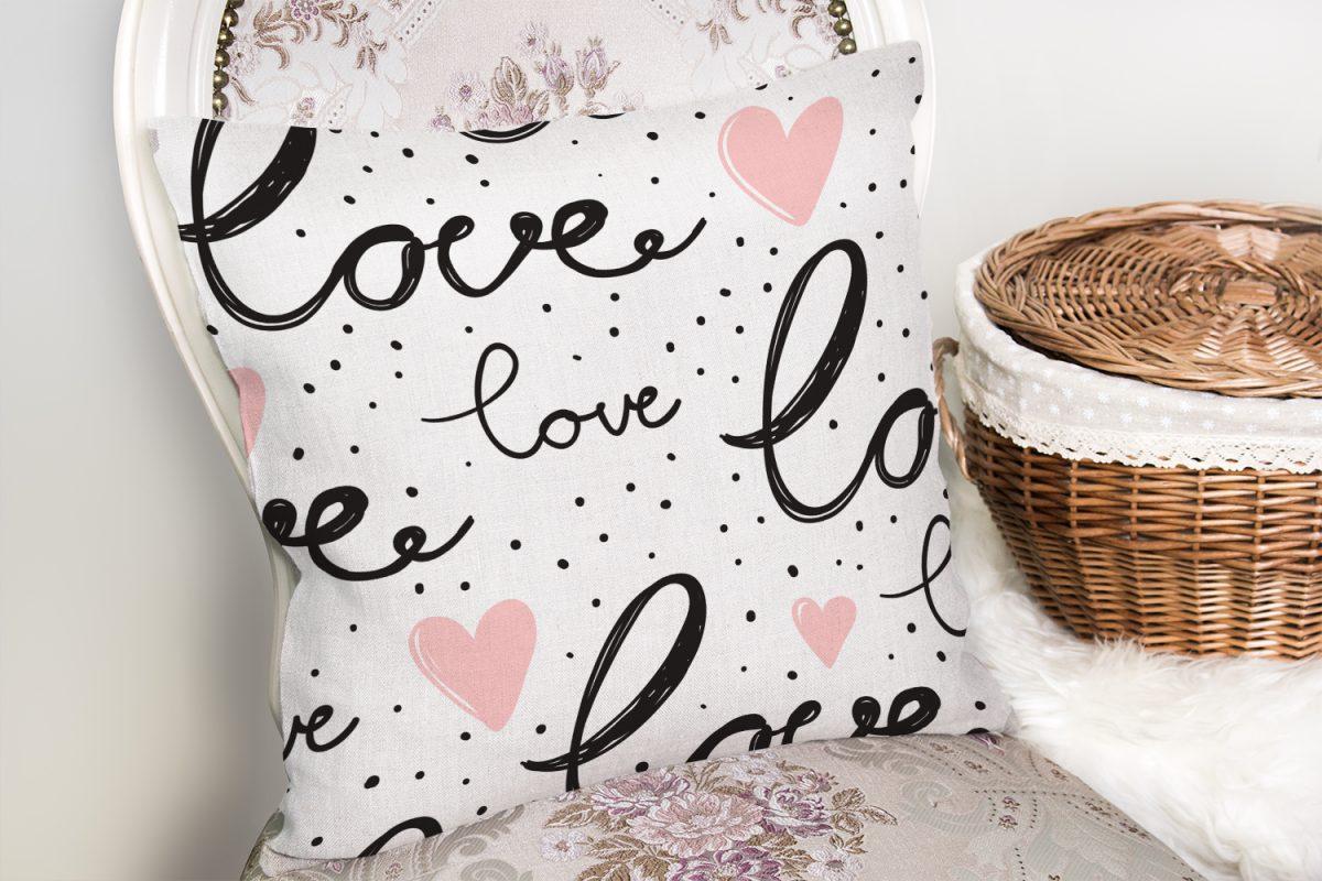 Love Baskılı Pembe Kalpli Dekoratif Yastık Kırlent Kılıfı Realhomes