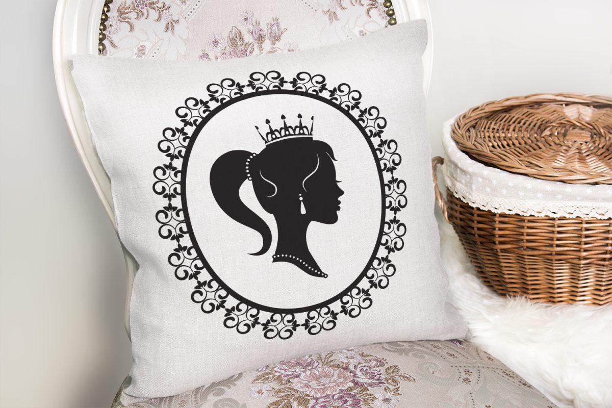 Siyah Beyaz Bayan Resimli Dijital Yastık Kırlent Kılıfı Realhomes