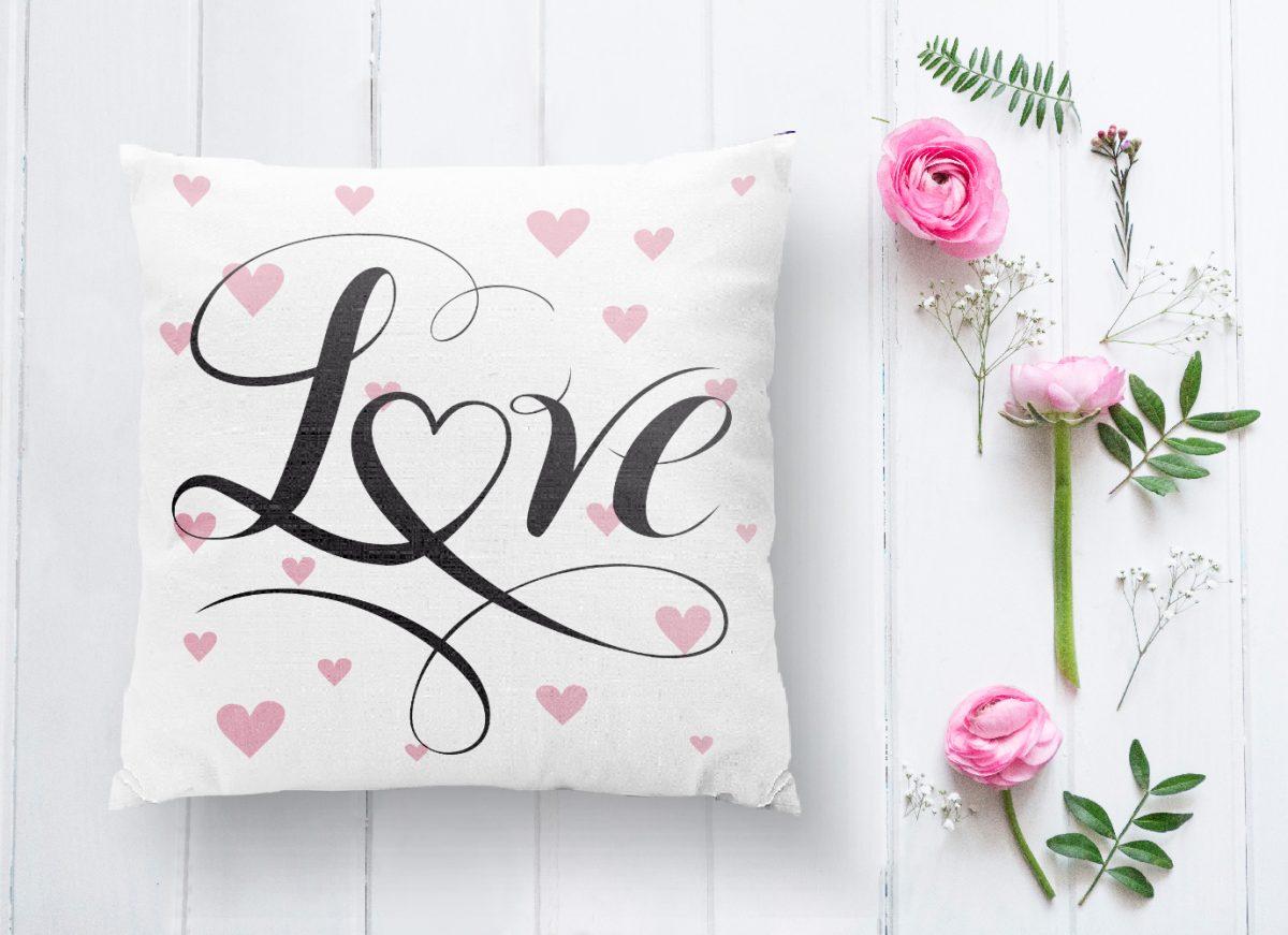 Love Yazılı Kalp Puanlı Motifli Dekoratif Yastık Kırlent Kılıfı Realhomes