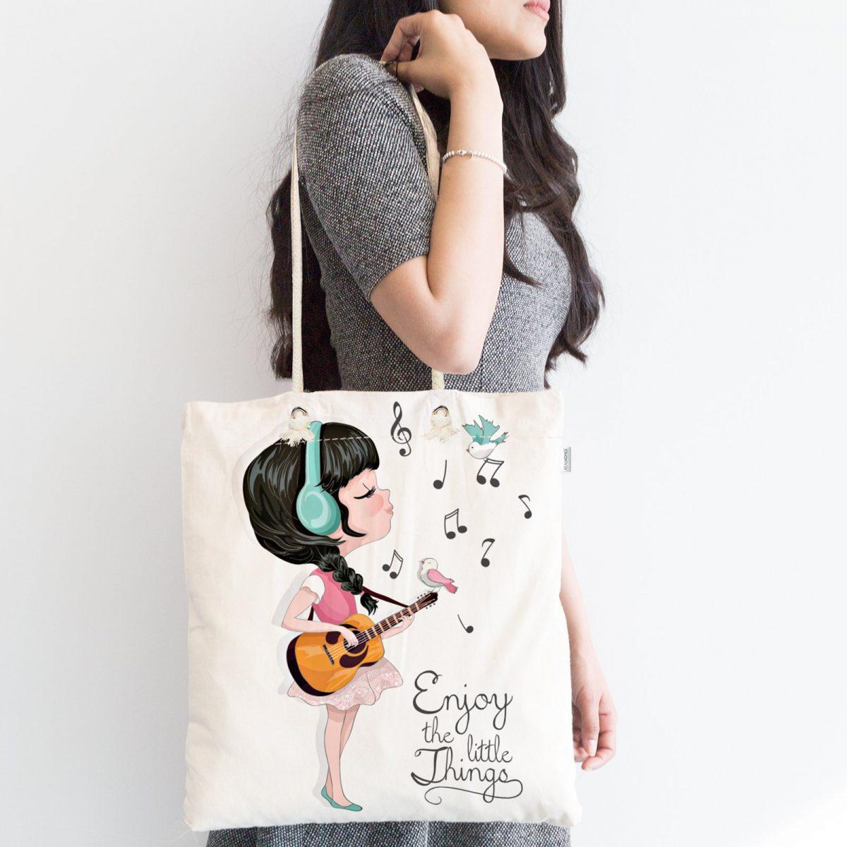 Şarkı Söyleyen Kız Desenli Dijital Baskılı Fermuarlı Kumaş Çanta Realhomes