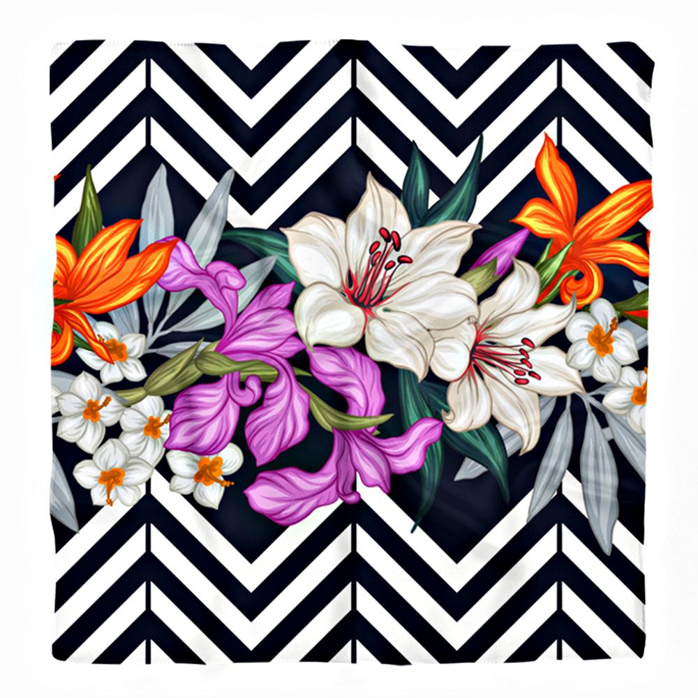 Zigzag Zeminde Turuncu ve Beyaz Yaprak Tasarımlı İpeksi Twill Eşarp Realhomes
