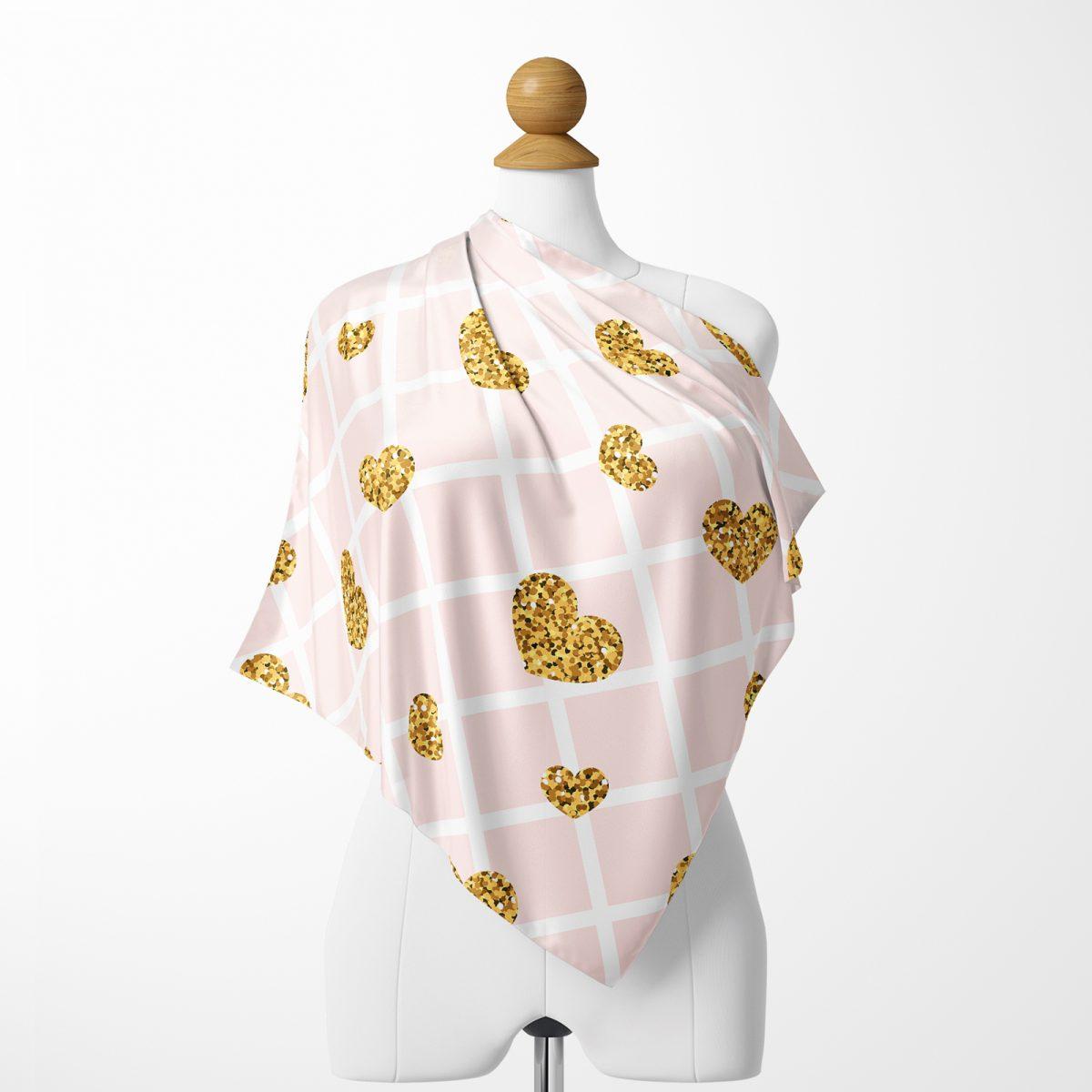 Damalı Pudra Renkli Altın Kalpler Özel Tasarım Tivil Eşarp Realhomes