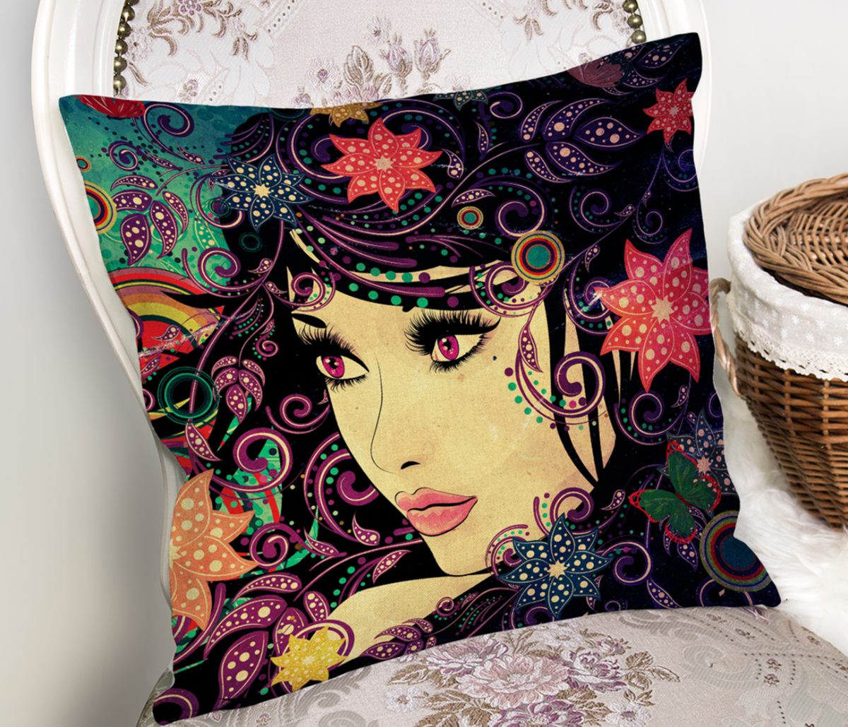 Rengarenk Çiçekli Beautiful Girl Dekoratif Yastık Kılıfı Realhomes