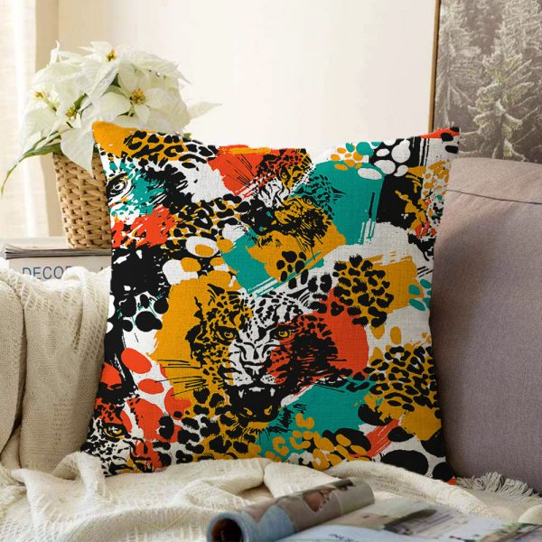 Beyaz Zeminde Renkli Ananas Yaprakları Desenli Çift Taraflı Dijital Baskılı Şönil Kırlent Kılıfı - 55 x 55 cm Realhomes