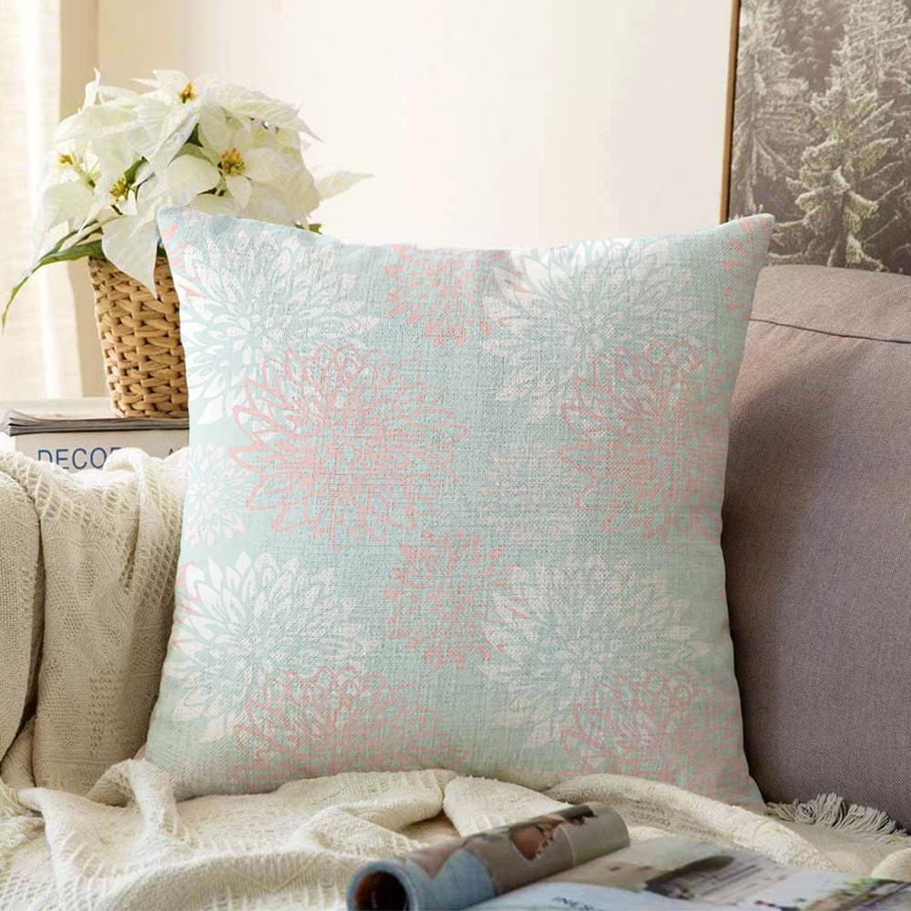 Mavi Zemin Üzerinde Beyaz Kırmızı Çiçek Tasarımlı Çift Taraflı Dekoratif Şönil Yastık Kılıfı - 55 x 55 cm Realhomes