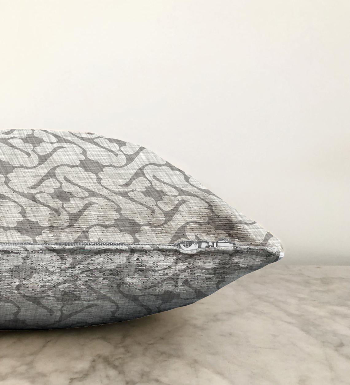 Kot Zemin Üzerinde Soyut Çizimli Çift Taraflı Dekoratif Şönil Yastık Kılıfı - 55 x 55 cm Realhomes