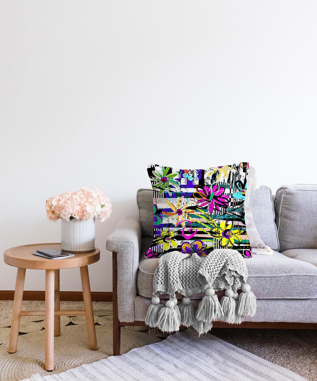 Çift Taraflı Siyah Beyaz Temalı Çiçek Motifli Şönil Kırlent Kılıfı - 55 x 55 cm Realhomes