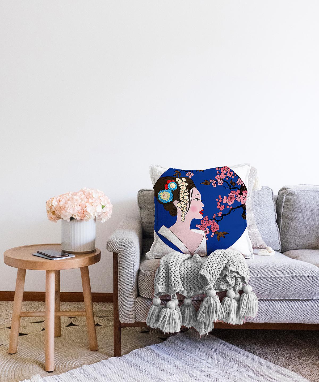Çift Taraflı Çiçek Motifli Japon Kız Desenli Dekoratif Şönil Yastık Kılıfı - 55 x 55 cm Realhomes