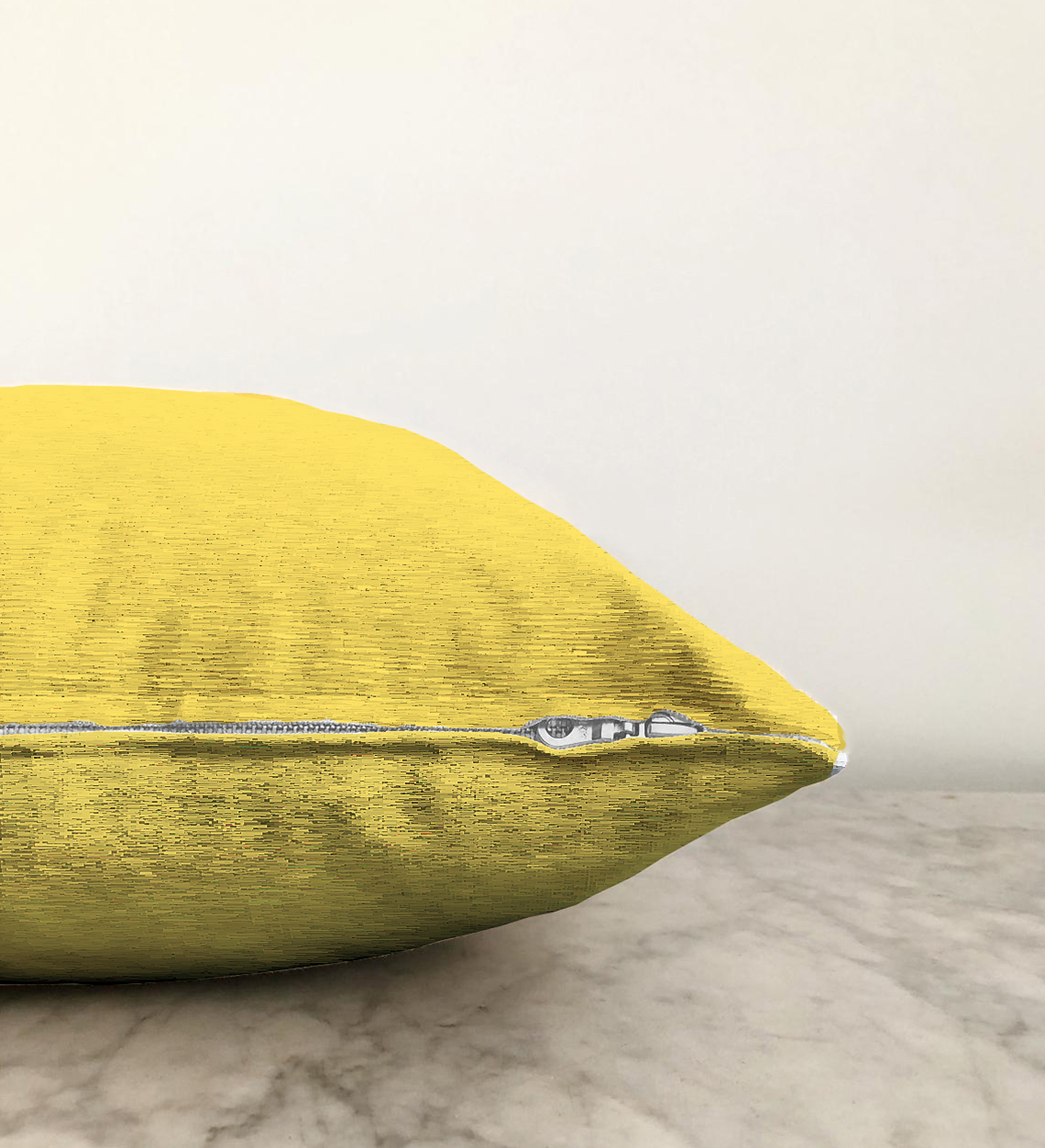 Realhomes Çift Taraflı Sarı Renkli Dijital Baskılı Şönil Yastık Kırlent Kılıfı - 55 x 55 cm Realhomes