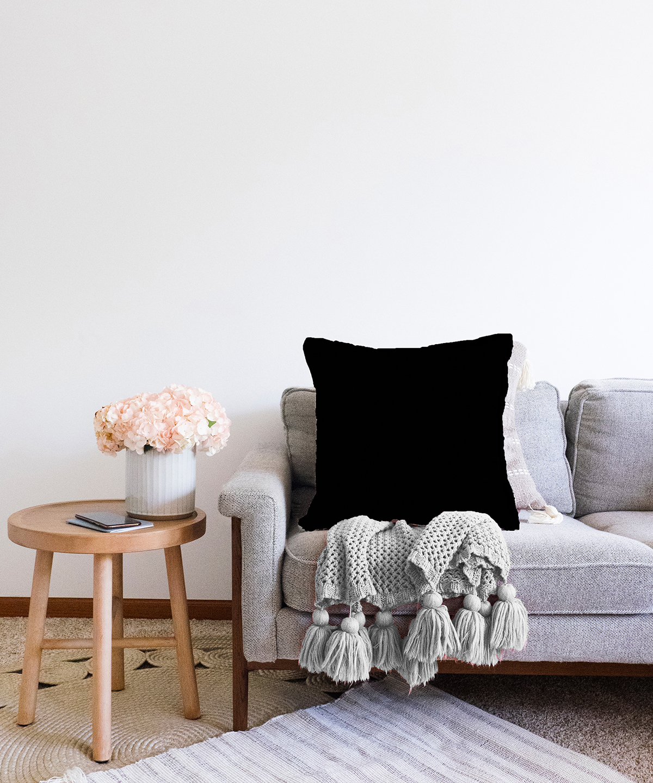 Realhomes Çift Taraflı Düz Siyah Renkli Dijital Baskılı Şönil Yastık Kırlent Kılıfı - 55 x 55 cm Realhomes