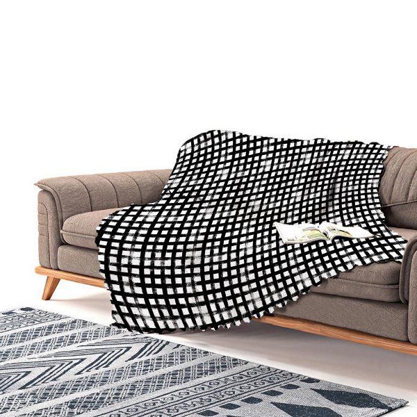 Realhomes Siyah Zeminde Geometrik Kare Motifli Modern Şönil Koltuk Şalı Realhomes