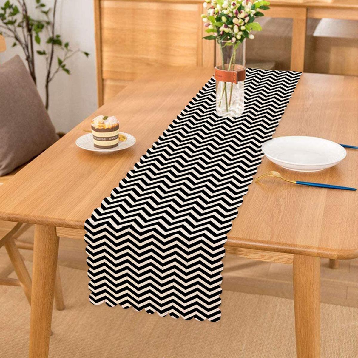 Siyah Beyaz Zigzag Desenli Dijital Baskılı Runner Realhomes