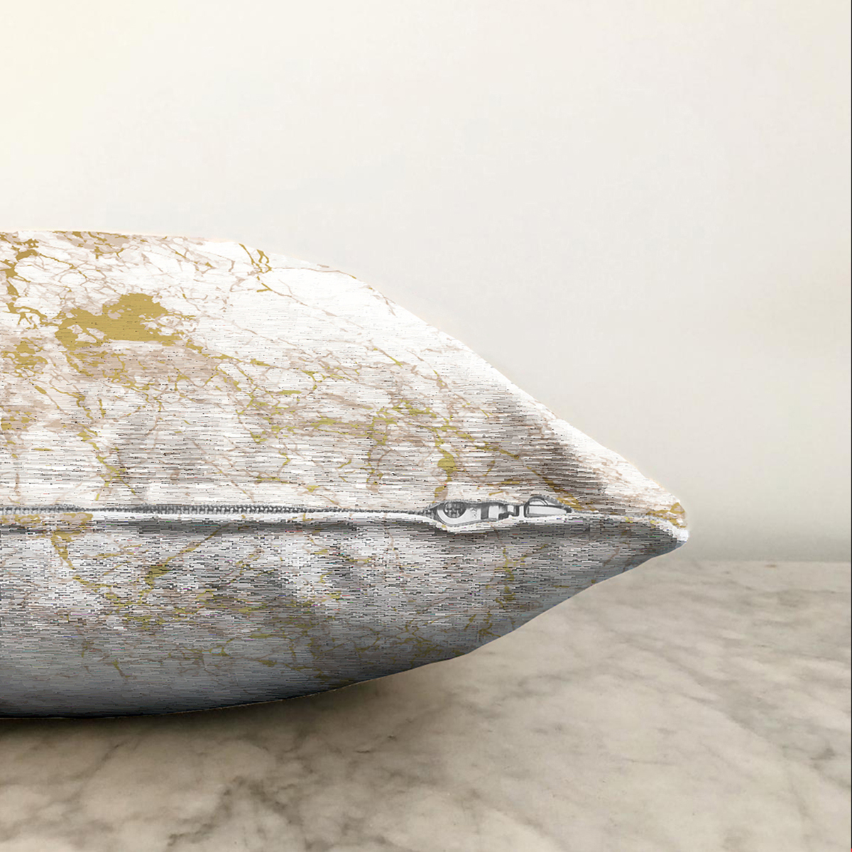 Çift Taraflı Mermer Gorunumlu Gold Detaylı Dijital Baskılı Modern Şönil Yastık Kırlent Kılıfı Realhomes