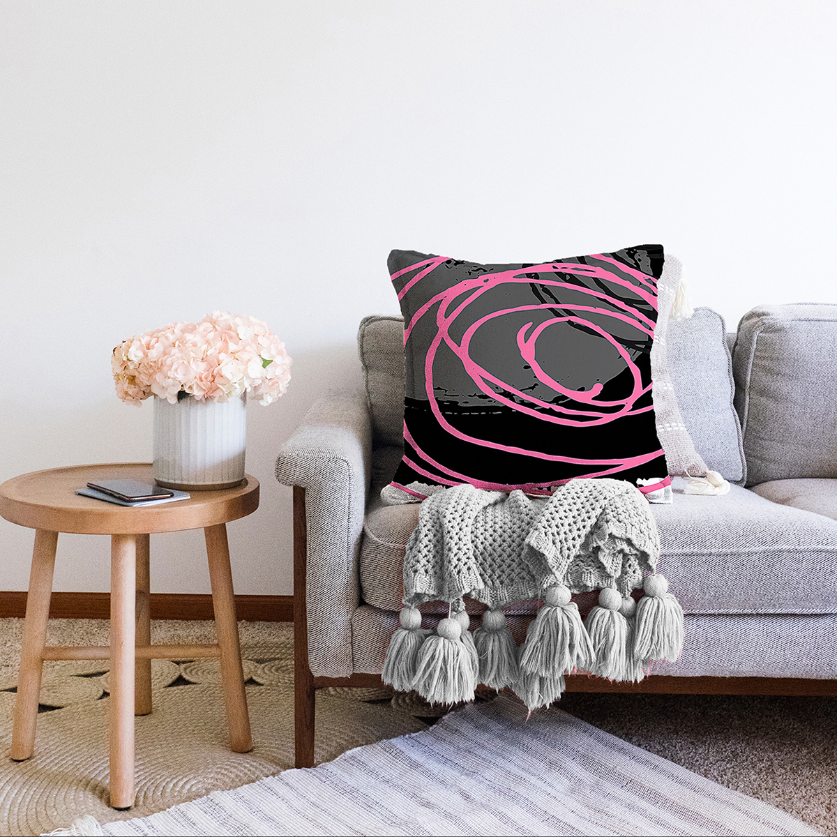 Çift Taraflı Gri Siyah Zemin Üzerinde Pembe Renkli Geometrik Desen Şönil Yastık Kırlent Kılıfı Realhomes