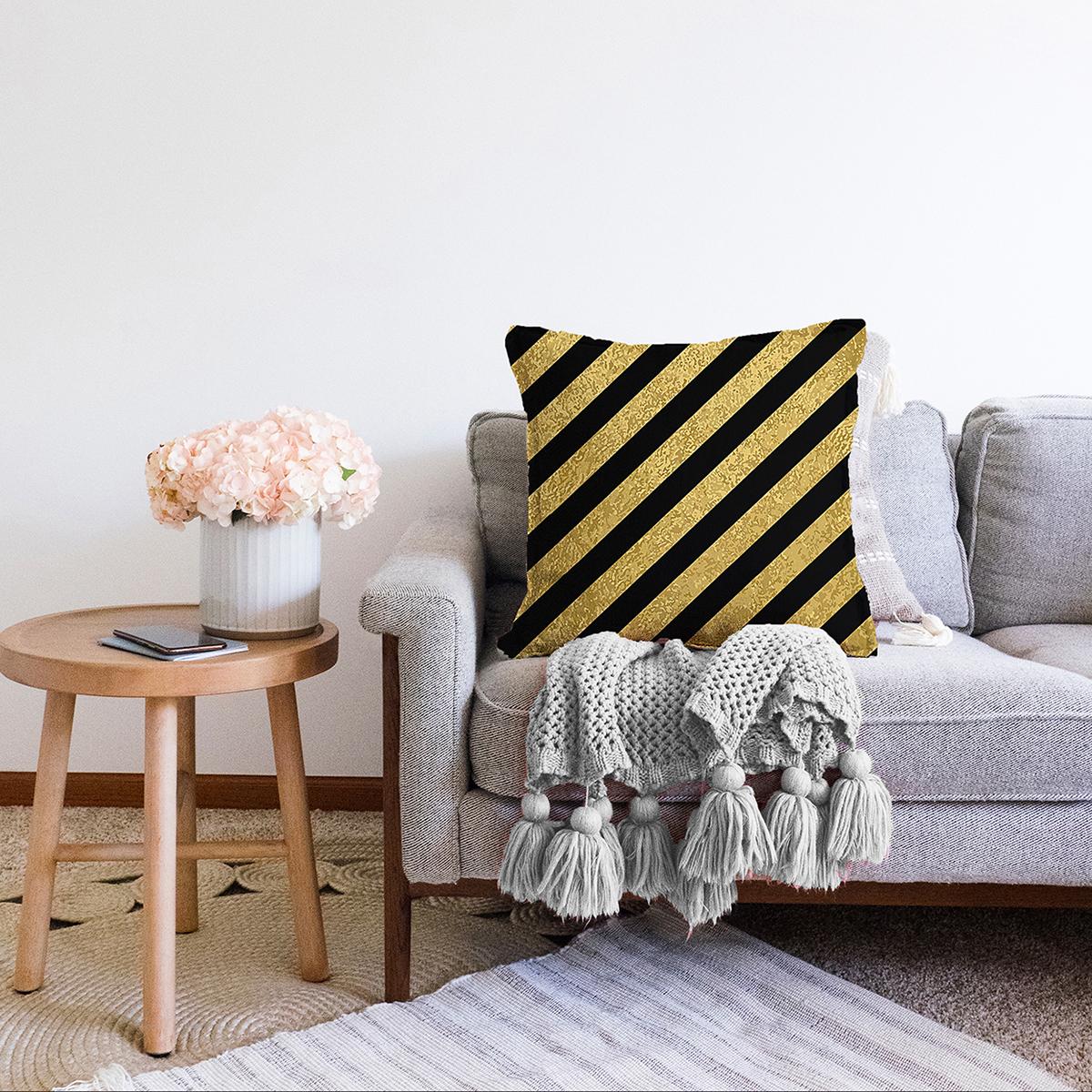 Çift Taraflı Gold Zeminli Siyah Geometrik Desenli Dijital Baskılı Modern Şönil Yastık Kırlent Kılıfı Realhomes