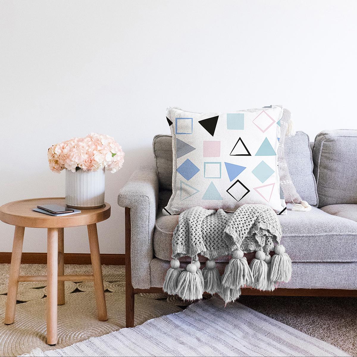 Çift Taraflı Beyaz Zemin Üzerinde Renkli Geometrik Desenli Dijital Baskılı Modern Şönil Yastık Kılıfı Realhomes