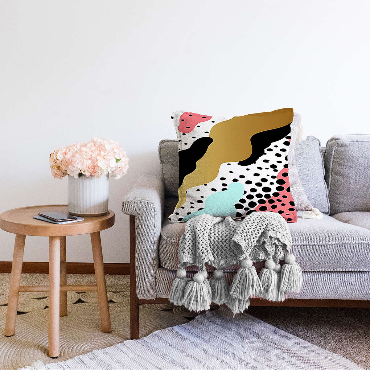 Çift Taraflı Renkli Zemin Üzerinde Gold Detaylı Modern Desenli Modern Şönil Yastık Kırlent Kılıfı Realhomes