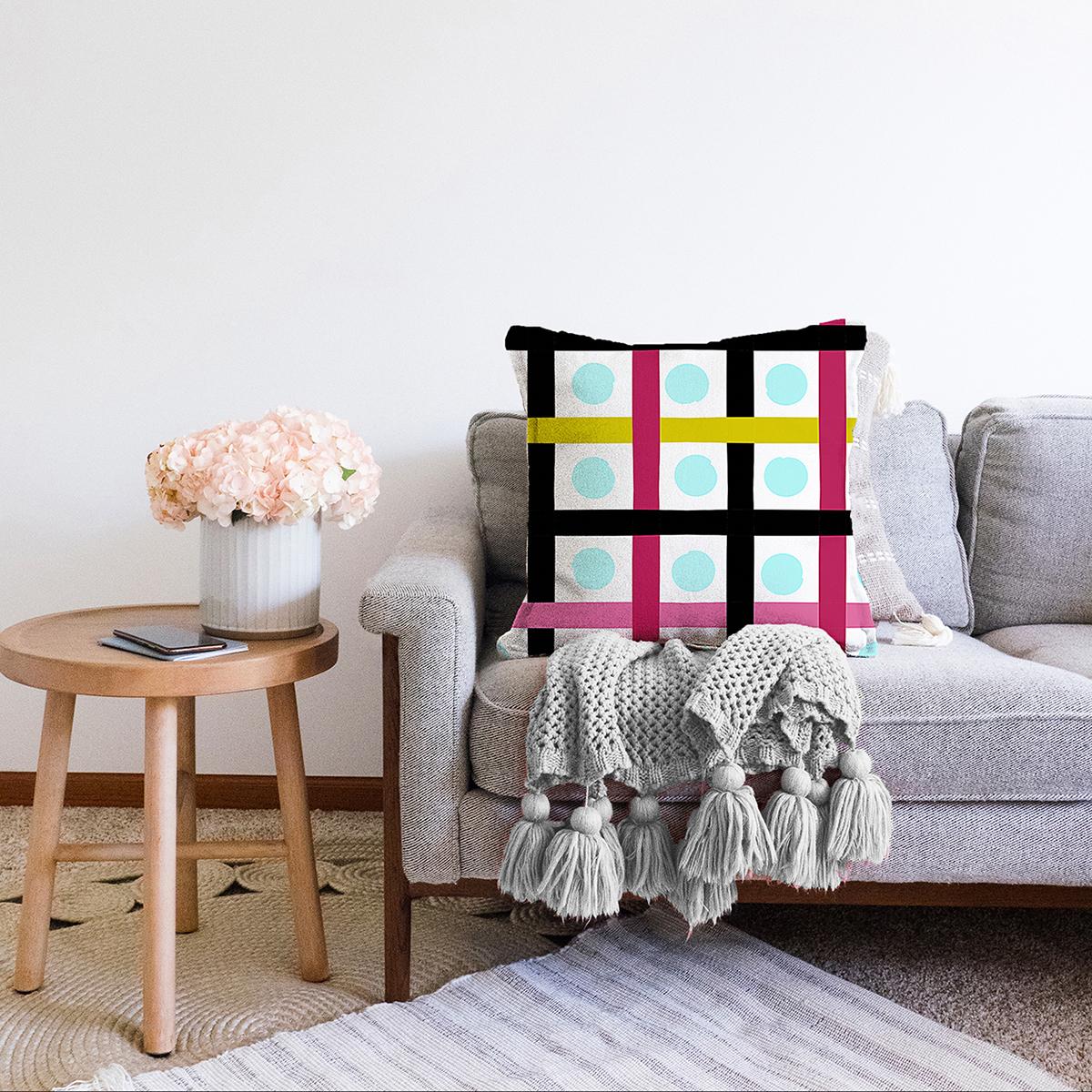 Çift Taraflı Beyaz Zemin Üzerinde Modern Renkli Çizgili Puantiye Desenli Şönil Yastık Kırlent Kılıfı Realhomes