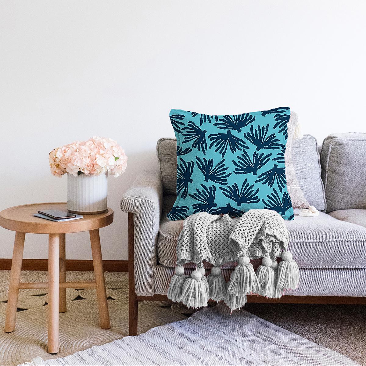 Çift Taraflı Renkli Zemin Üzerinde Yaprak Desenli Dijital Baskılı Modern Şönil Yastık Kırlent Kılıfı Realhomes