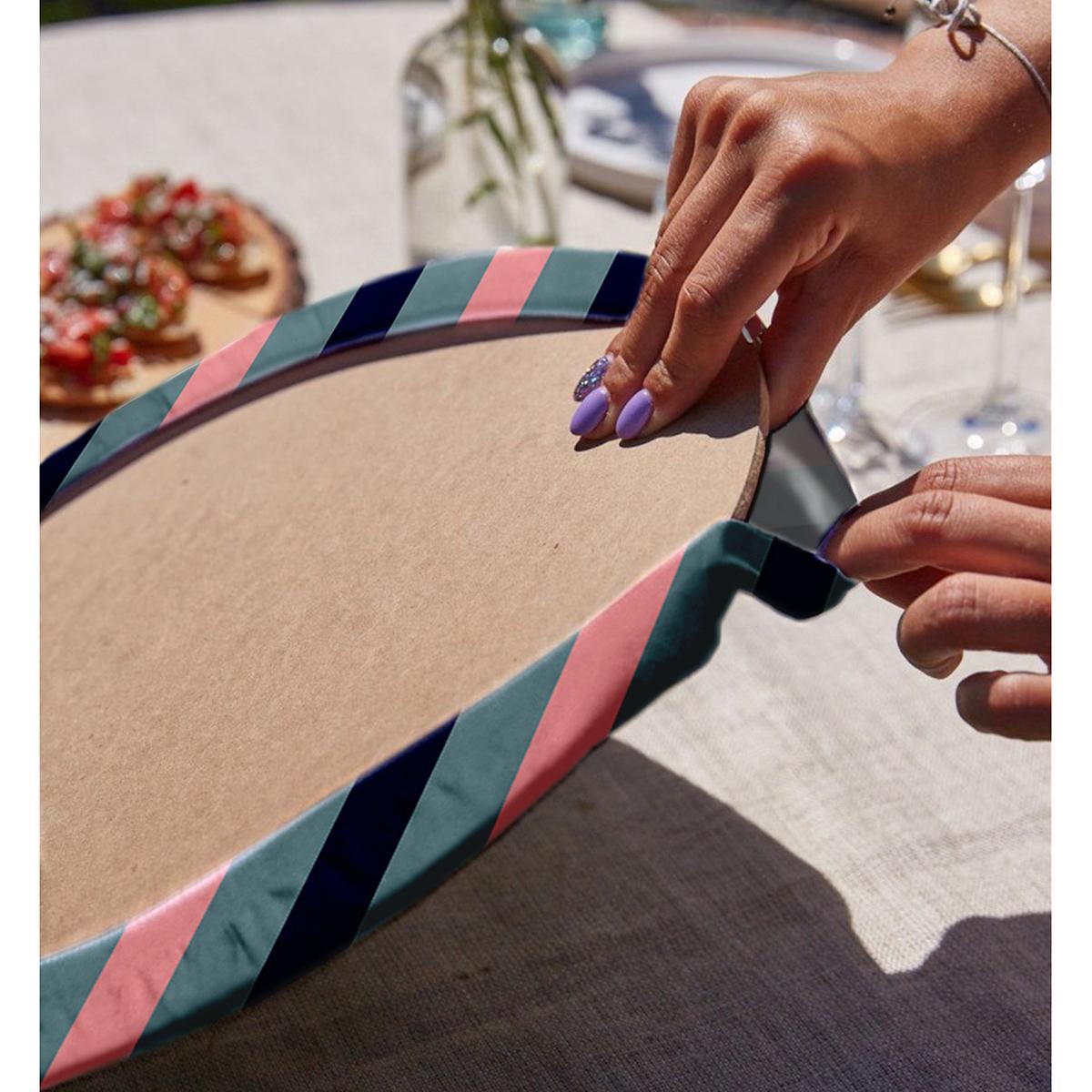 Realhomes Renkli Zemin Üzerinde Pastel Renkli Yatay Çizgili Modern 2'li Yuvarlak Servis Altlığı - Supla Realhomes