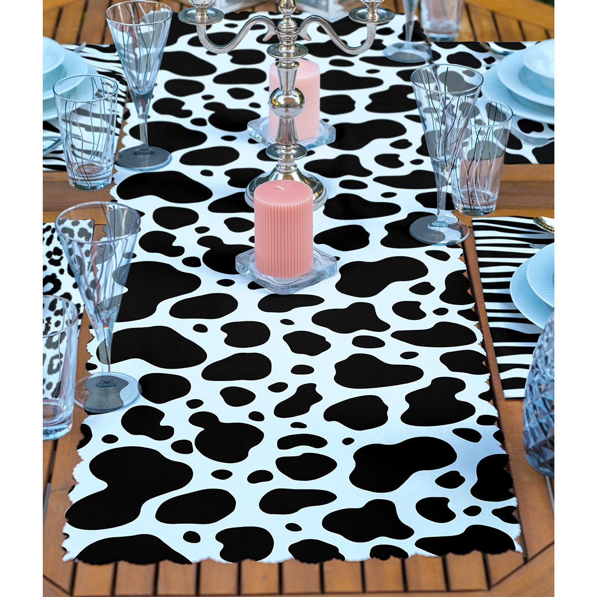 4+1 Siyah Beyaz Zebra Desenli Amerikan Servis & Runner Seti Realhomes